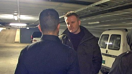 Mohammed Javed intervjuet av TV 2s Johnny Brenna. (Foto: TV 2)