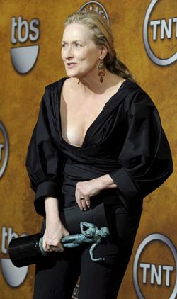 BUKSER: Meryl Streep var ikledt svarte bukser under SAG-utdelingen.