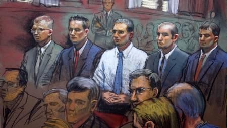 Blackwater-vaktene Paul Slough, Evan Liberty,   Donald Ball, Nick Slatten and Dustin Heard sitter på tiltalebenken etter   at de angivelig skal ha drept minst 17 irakere i Bagdad. (Foto: Scott   Snow/AP)