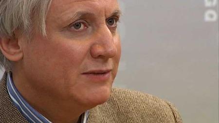 Professor Kristian Gundersen mener man burde vært spart for Arbeiderpartiets hyllest av Snåsamannen. (Foto: TV 2)