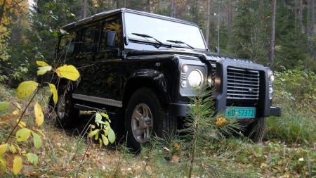 Land Rover Defender er forlengst blitt et bilikon - men strengt tatt er den nok også solid på overtid.
