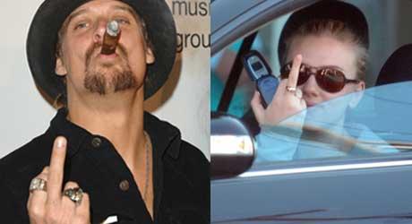 FINGEREN: Kid Rock løfter langefingeren med et glimt i øyet, men Scarlett Johansson irriterer seg oppriktig over paparazziene.