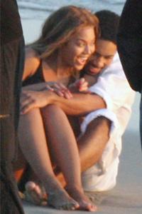 GOD KJEMI: Beyonce og motspilleren koste seg under innspillingen