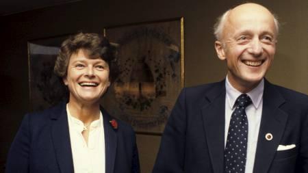 Valgmøte mellom Gro Harlem Brundtland (Ap) og Kåre Willoch (H) før Stortingsvalget 1981.  (Foto: Sigurdsøn, Bjørn/SCANPIX)