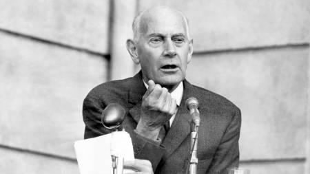 Einar Gerhardsen ble kjent som «landsfaderen» i etterkrigsårene.  (Foto: Ivar Aaserud/SCANPIX)