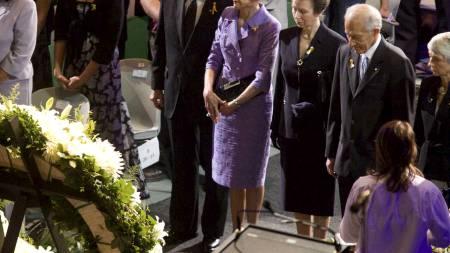 Prinsesse Anne var en av de som deltok på minnegudstjenesten for brannofrene i Australia, søndag.  (Foto: Michael Silver/AP)