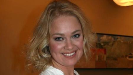 Kunstneren Bjørg Thorhallsdottir har vært forlovet 13 ganger.