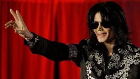 Michael Jackson skal nå auksjonere bort over   2000 eiendeler fra karrieren og livet sitt. (Foto: Joel Ryan/AP)