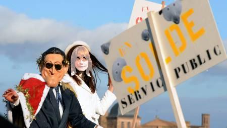 Nicolas Sarkozy er ikke en populær mann blant de mange streikende.   (Foto: PASCAL PAVANI/AFP)