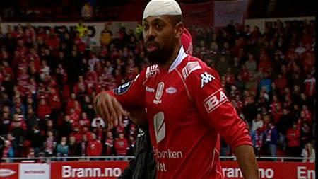 David Nielsen ville ikke gå av banen i kampen mot Stabæk. (Foto: Foto: TV 2/)