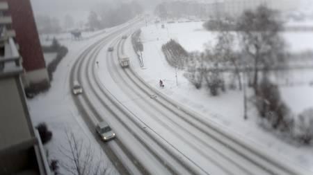 Snøværet kom tilbake til Oslo fredag. Her fra Fagerheimgata.  (Foto: Solum, Stian Lysberg/SCANPIX)