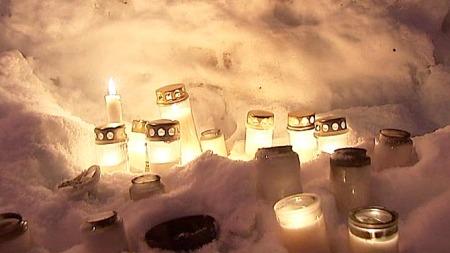 Tromsø lys til minne trippeldrap (Foto: TV 2)