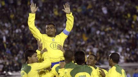 FOTBALLEGENDE: Romario er hyllet som en av de største spillerne fra Brasil i moderne tid.  (Foto: BRENDAN MCDERMID/EPA)