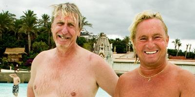 GUTTA FRA HALDEN. Frank Øberg og Atle Hansen koste seg på Tenerife.