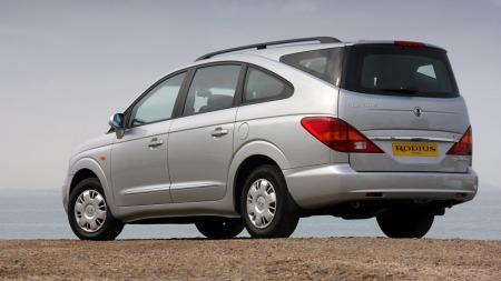 Første generasjon SsangYong Rodius er en av de mest spesielle bilene på markedet - og designet har vært mildt sagt omdiskutert.