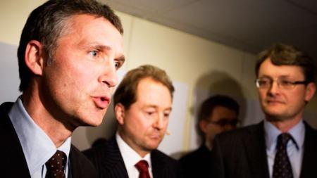 OSLO 20090402: Fv.: statsminister Jens Stoltenberg, Kjell Inge Røkke og Øyvind Eriksen var tilstede torsdag under