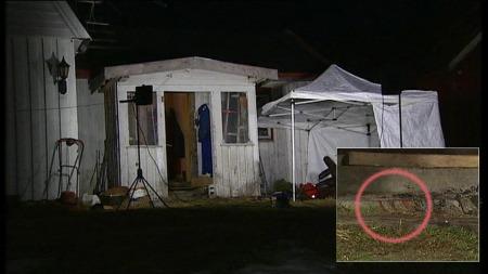 En 39 år gammel mann er siktet for foresttelig drap på sin egen mor hjemme på gården i Evje. Åstedet var sterkt tilsølt med blod.