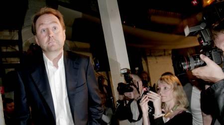 Kjell Inge Røkke kommer til sin pressekonferanse på Månefisken i Oslo onsdag.  (Foto: Stian Lysberg Solum/SCANPIX)