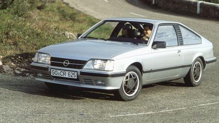 Opel Monza - fra da også Opel laget store coupeer. (Foto: Pressebilde)