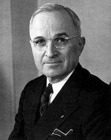 USAs tidligere president Harry S. Truman (1884-1972) ble beskrevet   som krigsforbryter av komikeren Jon Stewart. Nå har Stewart bedt om unnskyldning.