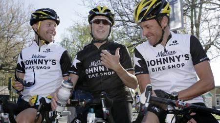 Levi Leipheimer, Chris Horner, Lance   Armstrong (Foto: Jake Schoellkopf/AP)