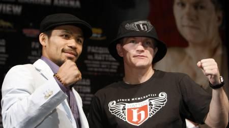Manny Pacquiao og Ricky Hatton  (Foto: STEVE MARCUS/AP)