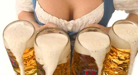 FORSIKTIG MED ALKOHOLEN: Fakta er at kvinner tåler mindre alkohol   på grunn av mindre kroppsvann.