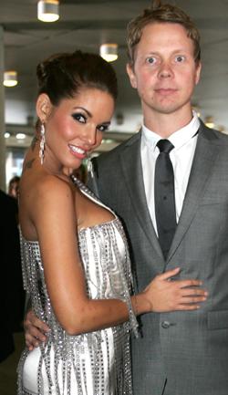 PAR: Triana Iglesias har alltid med seg kjæresten Nils på nachspiel. Han er DJ og da vet hun at hun er sikret god musikk.