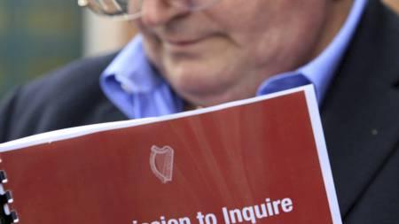 John Kelly ble selv misbrukt som barn, og er nå koordinator for gruppen Survivors of Child Abuse i Irland.  (Foto: PETER MUHLY/AFP)