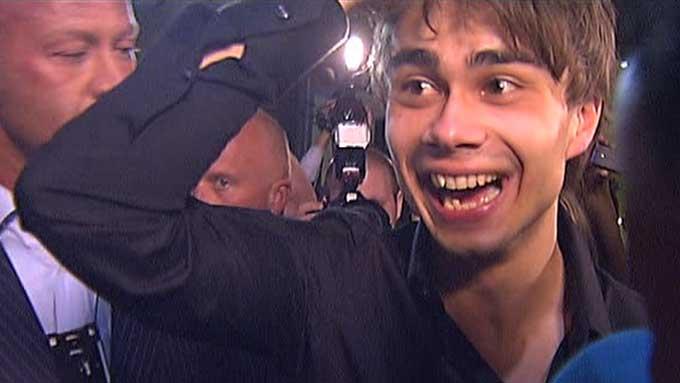 SJARMERTE: Vel 5000 møtte opp på et kjøpesenter utenfor Stockholm for å se og høre Alexander Rybak.