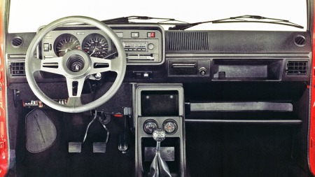 VW-Golf-I-GTI-interiør2