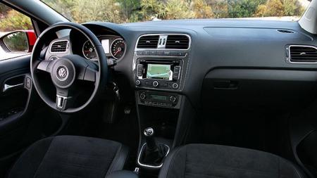 Slik ser det ut bak rattet i VW Polo.