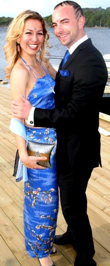Jannecke Øines og Kim-Daniel Sannes er kjærester i virkeligheten,   og strålte sammen på «Hotel Cæsars» sommerfest på Tjøme. (Foto: Tore   Waskaas)