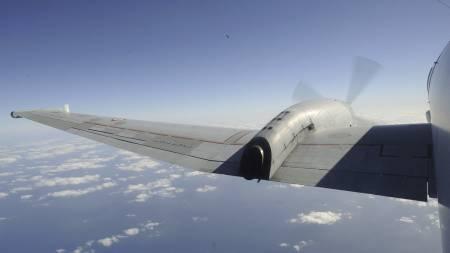 Et fransk militærfly patruljerer havområdet der Air France-flyet er antatt styrtet.  (Foto: ECPAD / HANDOUT/EPA)