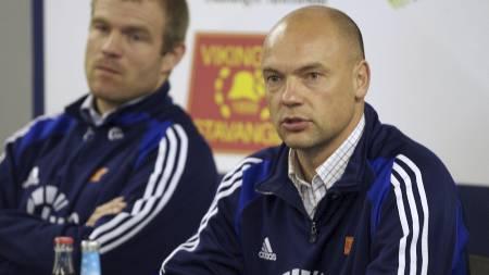 FÅR PEPPER: Uwe Rösler og Egil Østenstad (Foto: Hansen, Alf   Ove/SCANPIX)