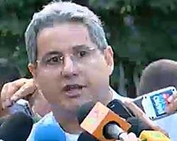 Oberst Jorge Amaral sier flyvåpenet har gjort funn av flere   vrakrester.