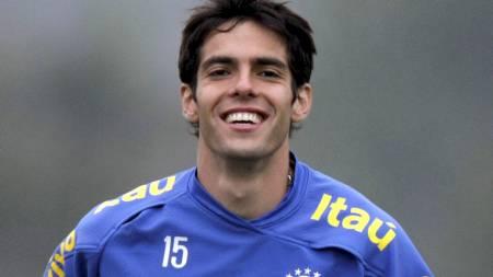 PÅ LANDSLAGSSAMLING: Kaká vil bli presentert som ny Real-spiller neste uke.  (Foto: SERGIO MORAES/REUTERS)