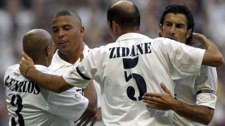 Los Galacticos - Roberto Carlos, Ronaldo, Zinedine Zidane og Luis Figo  (Foto: PIERRE-PHILIPPE MARCOU/AFP)