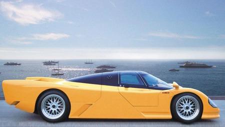 Med luksus som skinnseter og CD-spiller er denne racerbilen   blitt en helt fin hverdagsbil. (Foto: Pressebilde)