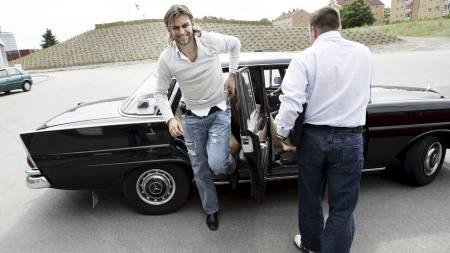MOTEIKON: Magne Hoset sammen med sin agent Stig Lillejord.    (Foto: Richardsen, Tor/SCANPIX)