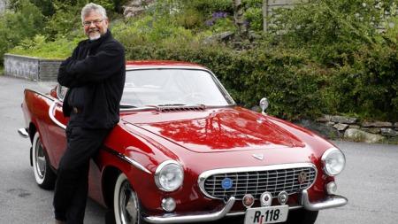Magne Lønningen (59) har et hjerte som banker varmt for gamle og sjeldne  Volvoer. (Foto: Rune Johansen, BA)