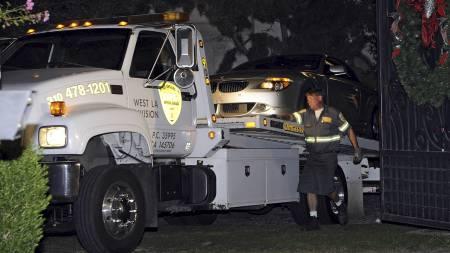 Politiet tok beslag i Conrad Murrays sølvgrå BMW etter at Jackson døde, blant annet for å sjekke om det fantes medisiner i bilen.  (Foto: Mark J. Terrill/AP)