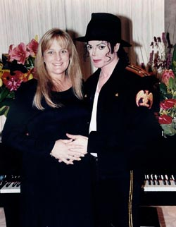 Debbie Rowe og Michael Jackson var gift i tre år og fikk to barn sammen.