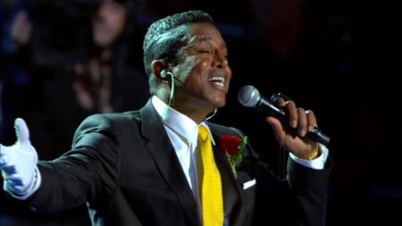 EN HANSKE: Jermaine Jackson hyllet broren med sang og én glitterhanske.