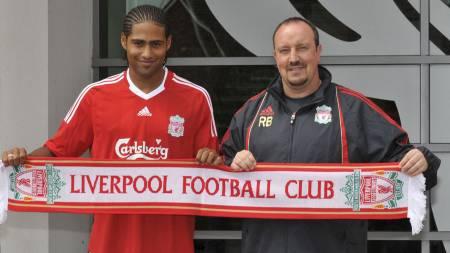 Rafael Benitez og Glen Johnson  (Foto: neil jones/AFP)