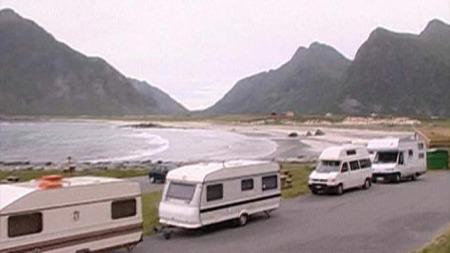 Lavere bensinpris gjør campingferie i Lofoten billigere.