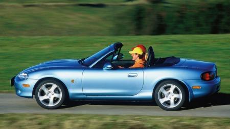 Dette er MX-5 modellen som kom i 1999 og som ble produsert fram til og med 2005.