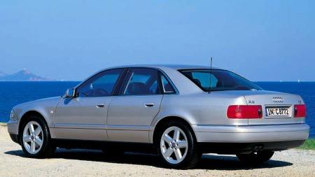 Audi A8 med aluminiumskarosseri. Dette er en 1998 modell.