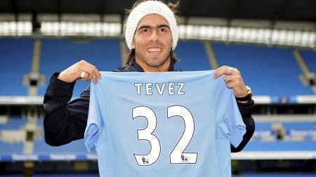 TIL RIVALEN: Carlos Tevez gikk fra United til City tidligere i sommer (Foto: NIGEL RODDIS/REUTERS)