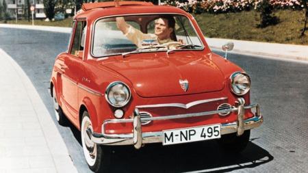 NSU Prinz. Liten bil med motoren bak.